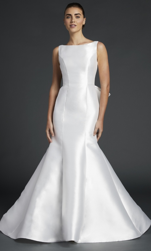 anne barge blue willow gown