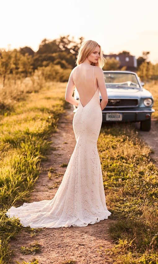 sweetheart neckline lace gown low back