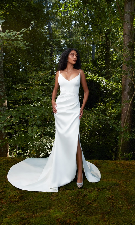 Anne Barge V-neck crepe rouched gown with front slit
